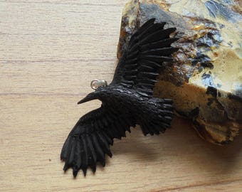 Hand Carved Raven Pendant, Black Raven, Buffalo Horn Carving RV02-3