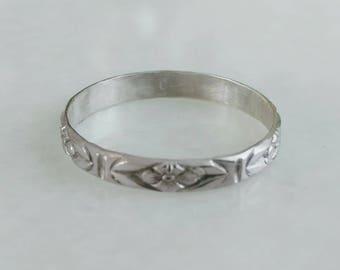 Pattern ring in sterling silver
