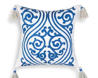 Ellada - hand embroidered cushion cover, 100% linen