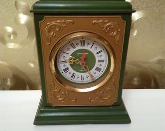 Часы старинные советский кварцевый стол Jantar часы, каминные часы,часы батареи, редкие часы антикварные настольные часы СССР знак качества