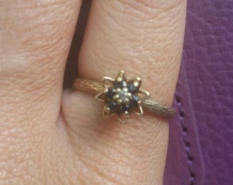 Vintage Stackable Sapphire  Tulip Ring. Diamond Center 10k