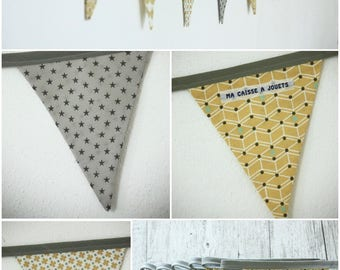 Guirlande fanions modèle 16 en tissu dans les tons de jaune moutarde, gris et blanc