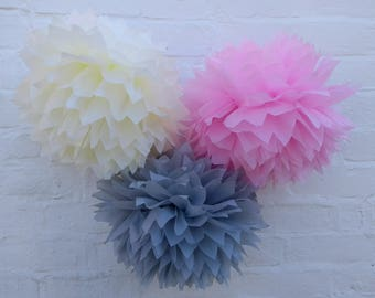 Pack of 20 pom poms / wedding decorations / party decorations / birthdays / home decorations / marquee decorations / rustic wedding / prties