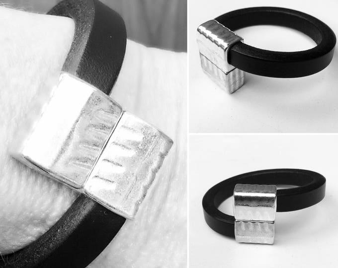 Bracelet Black leather magnet lock Bracelet