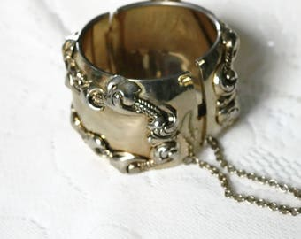Vintage Repousse hinged, Leaf and Rope, Art Deco, cuff bracelet.