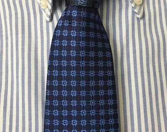 Two-Toned Tie (Neptune Holiday)