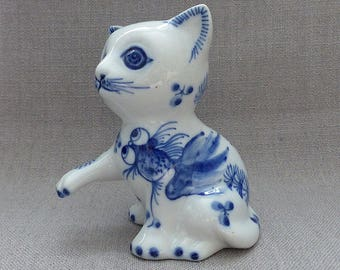 """Vintage Chinese CAT China Pocelain Ornament with Blue Hand Painted Fish Details Very Kitsch 4.5"""" Tall"""
