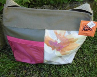 The cat-fun taupe/pink flower bag