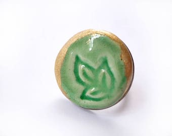 Pistachio green ceramic round ring