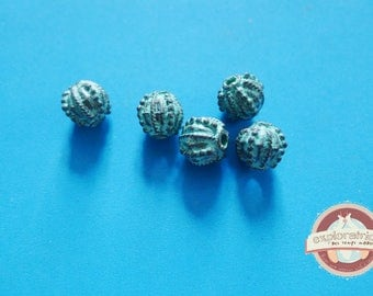 5 round beads bronze and patina green Gray 11 x 10 mm