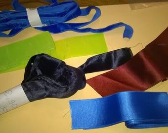 525) set of ribbons