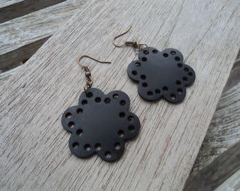 Earrings flower in inner tube recycled and bronze finish - dangling - vegan leather earrings - lightweight earrings
