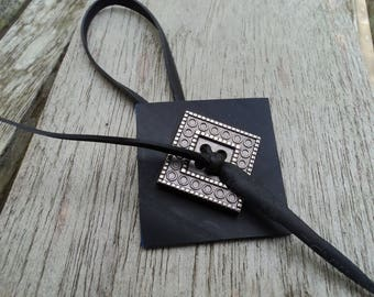 Ankle bracelet in recycled bicycle inner square