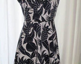 "Dress with black and white ""Pineapple"""