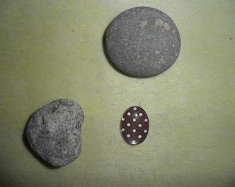 Brown polka dot brown glass cabochon, oval 18 x 25 mm