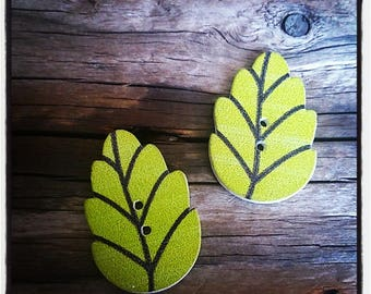 set of 2 leaves in green wood - 30 x 20 mm buttons