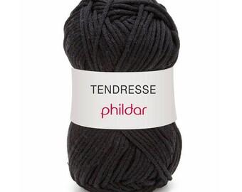 phildar yarn was TENDERNESS black thread