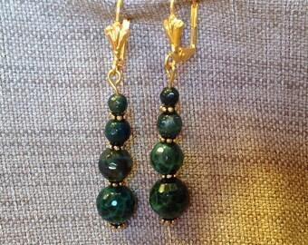 Dangling earrings dark green agate beads.
