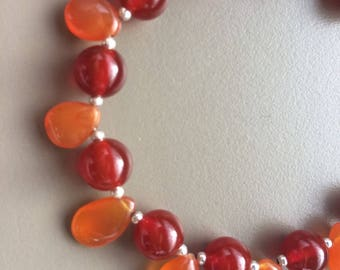 The fire bracelet in 925 sterling silver and carnelian