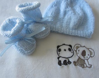 "Sky blue hat and booties ""birth"""