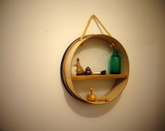 Wall shelf / customizable