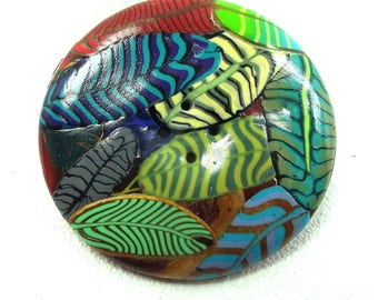 5 cm round button: the colored leaves