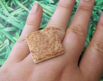 Brown mosaic ring