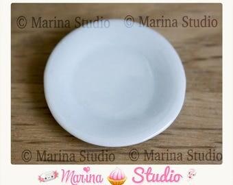 Jolie assiette miniature en porcelaine fait main 20mm