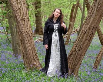 Historical dress / medieval / elven linen and Brocade