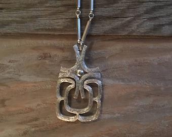 Vintage // Retro Silver Necklace