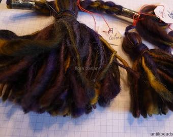 tassles wool vintage 1970