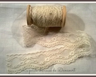 Ivory Medallion lace