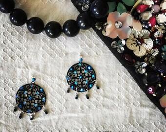 Baroque black earrings