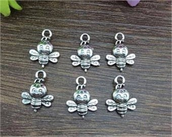 5 pendants charms small cute bees, color silver