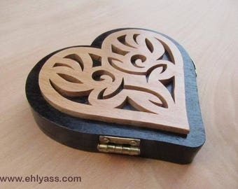 Love medieval fretwork heart box