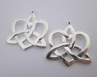 2 pendentif noeud celtique en métal argenté 34 x 29 mm