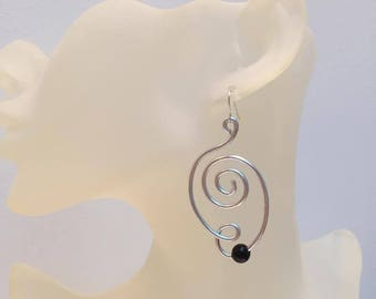 Aluminum silver wire with black abstract bead earrings