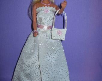 Long dress in ivory satin (B123)