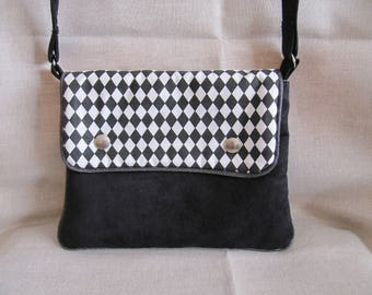 Shoulder bag black and white chic