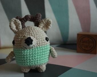 """""""It ' reindeer"""" 100% cotton Crochet Amigurumi rattle toy"""