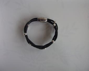 Bracelet black leather braided with beads
