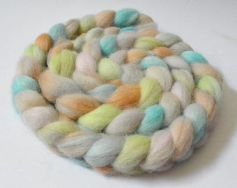 6,45oz. Alpaca Handdyed roving top for spinning
