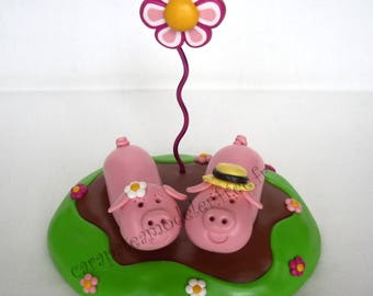 Picture holder pigs in love couple