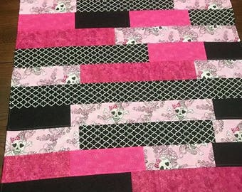 Pink and Blank Gothic Skull Throw Blanket