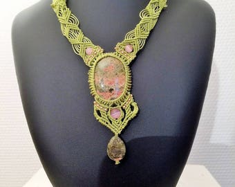 "Necklace with unakite ""Introspection"" micromacrame"