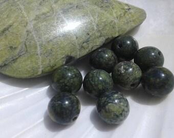 Serpentine of Peru 8mm round pearls