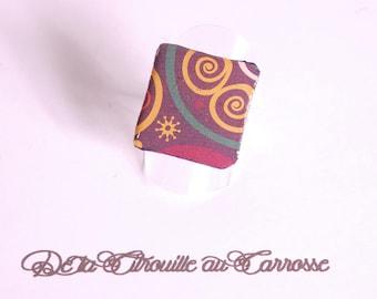Bague cabochon motif ethnique multicolore