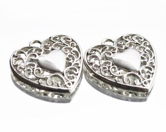 Silver plated heart pendant and filigree