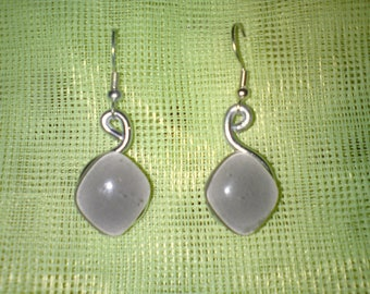 Trendy aluminum and glass piece grey diamond-shaped earrings unique