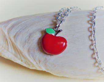 collier chaîne pendentif pomme rouge